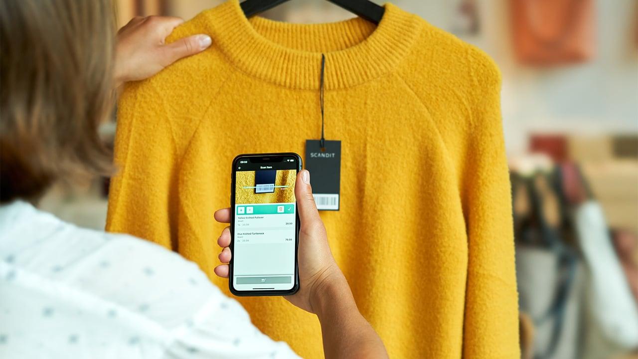 Fashion Self-Scanning smartphone